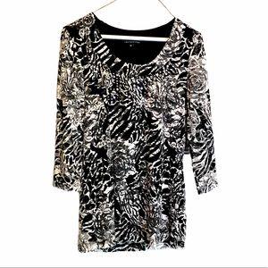 $5 in bundle - Black white rose print sheer sleeve